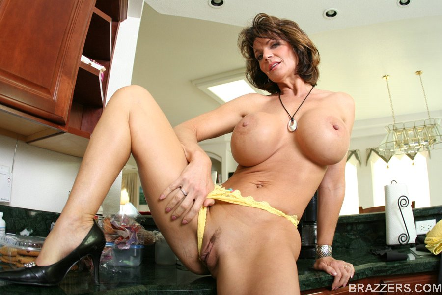 Busty cougar deauxma rubs her huge boobs pussy in a pool porn images sex pics