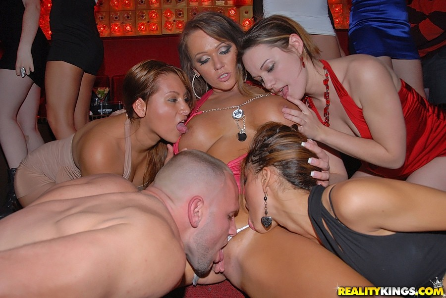 Kiss Sex Pics On Home Orgy Party