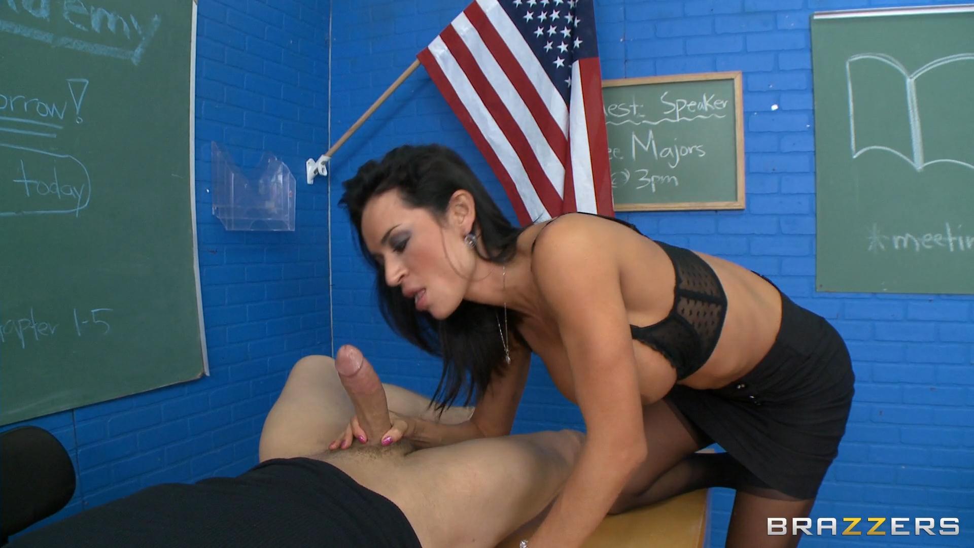Секс в школе с учительницей физкультуры, Секс с училкой - Лучшее порно с училкой и секс 8 фотография