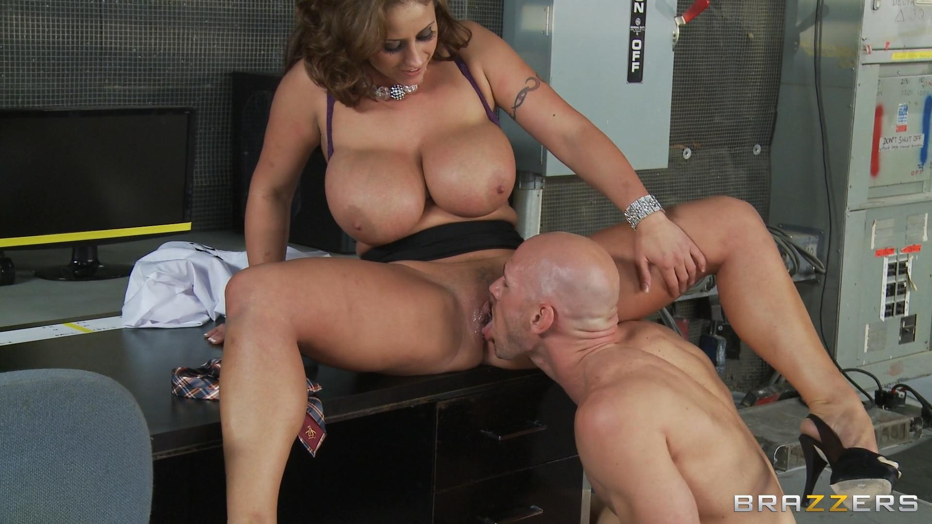 смотреть онлайн порно в hd от brazzers-зм2