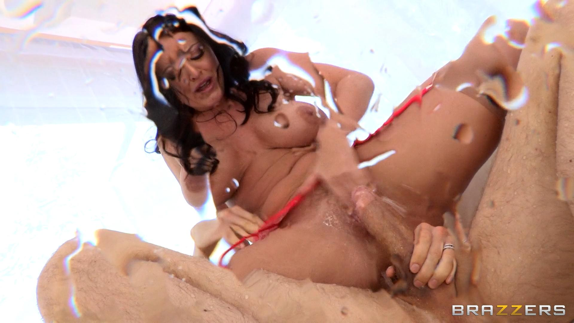 Sophie Dee Squirts And Stockings