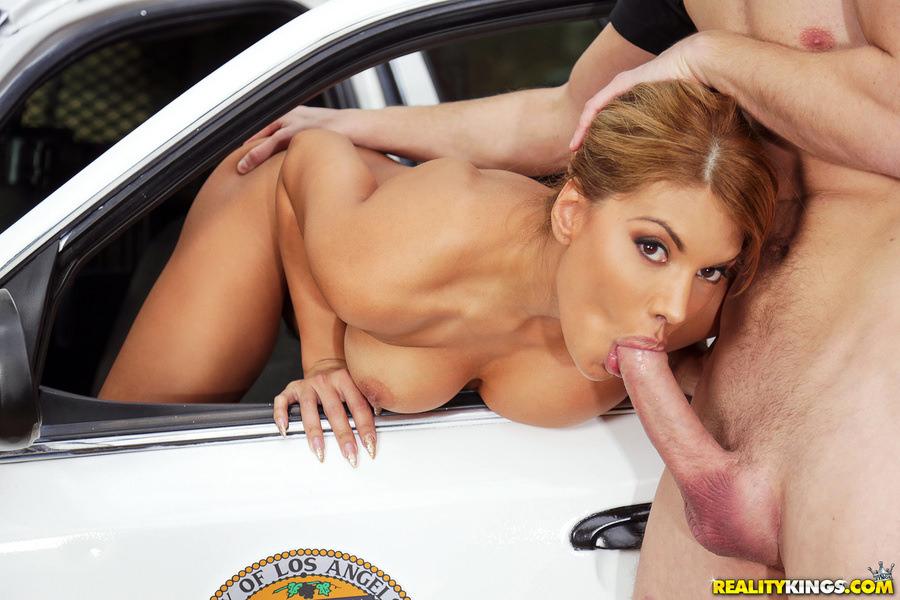 Фото лучшее порно девушка и огромные члены стримера списке