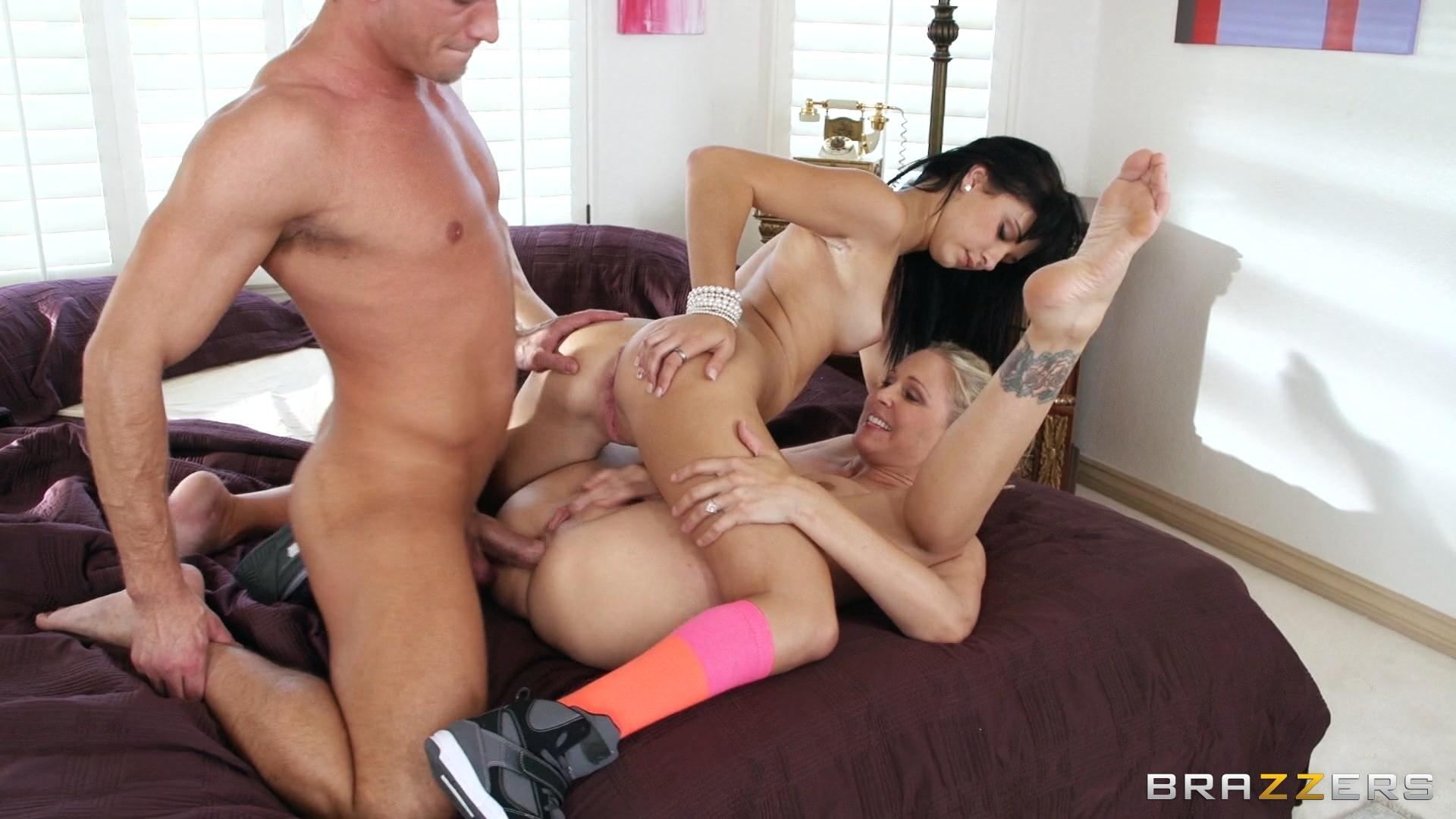 Stepmother teaches anal julia ann