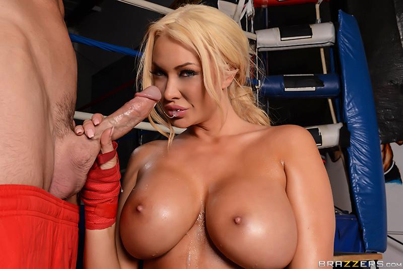 смотреть порно фильм big tits in sport