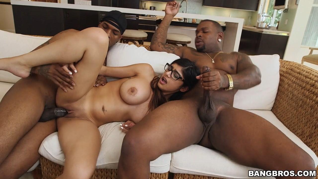 Big ass big boobs Bollywood pron pics