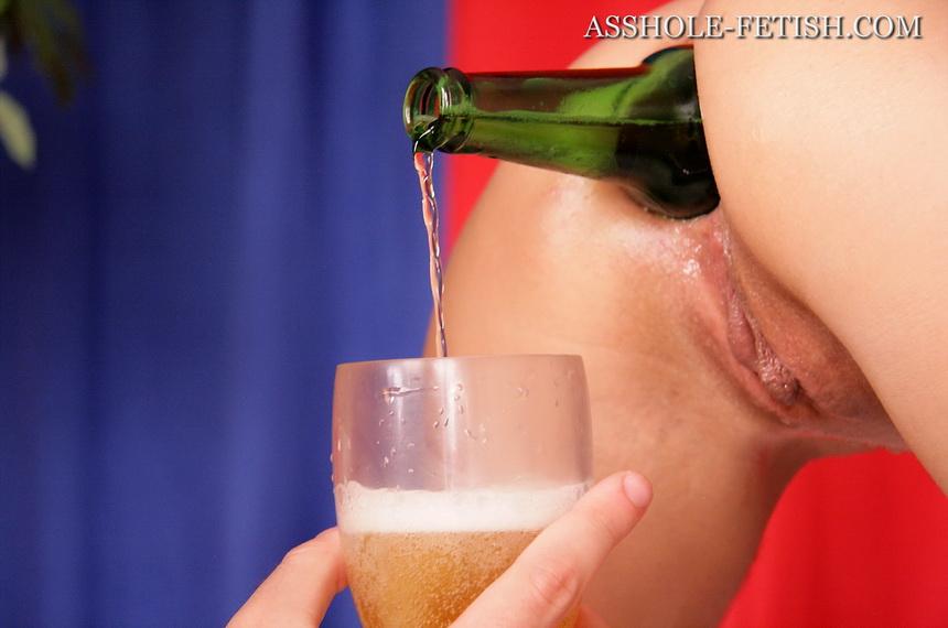 порно пиво в жопу фото