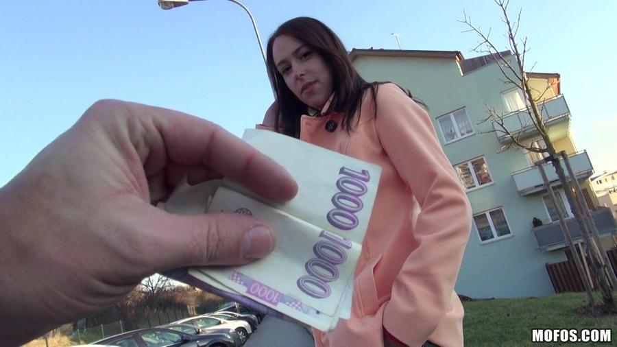 прижался найти девушек готовых за деньги нужно быть садистом